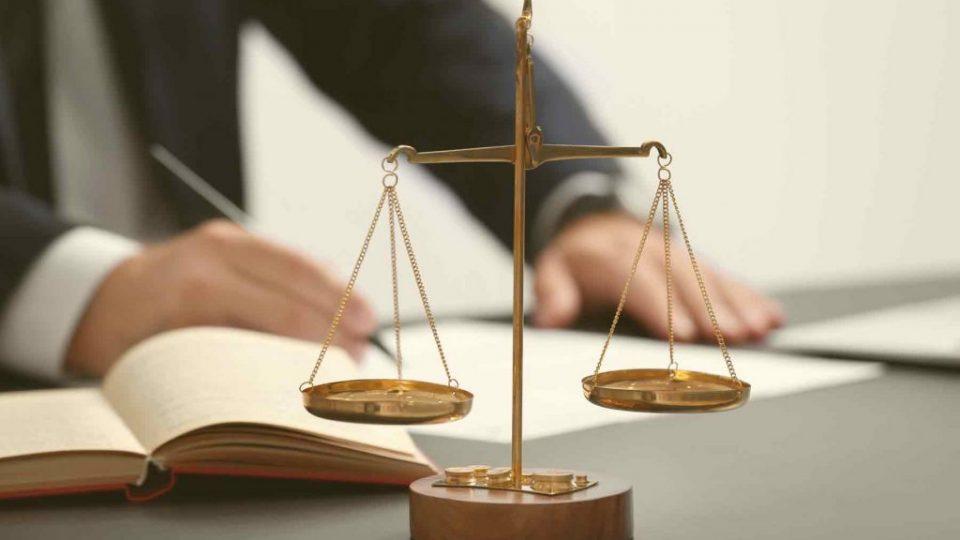 governance-risk-and-legal-11-min[1]